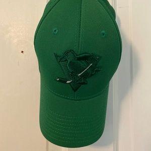 Hockey Pittsburgh Penguins Green Reebok Hat - L/XL